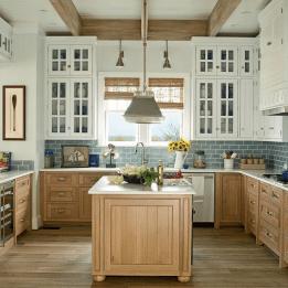Gorgeous Coastal Kitchen Design Ideas 02