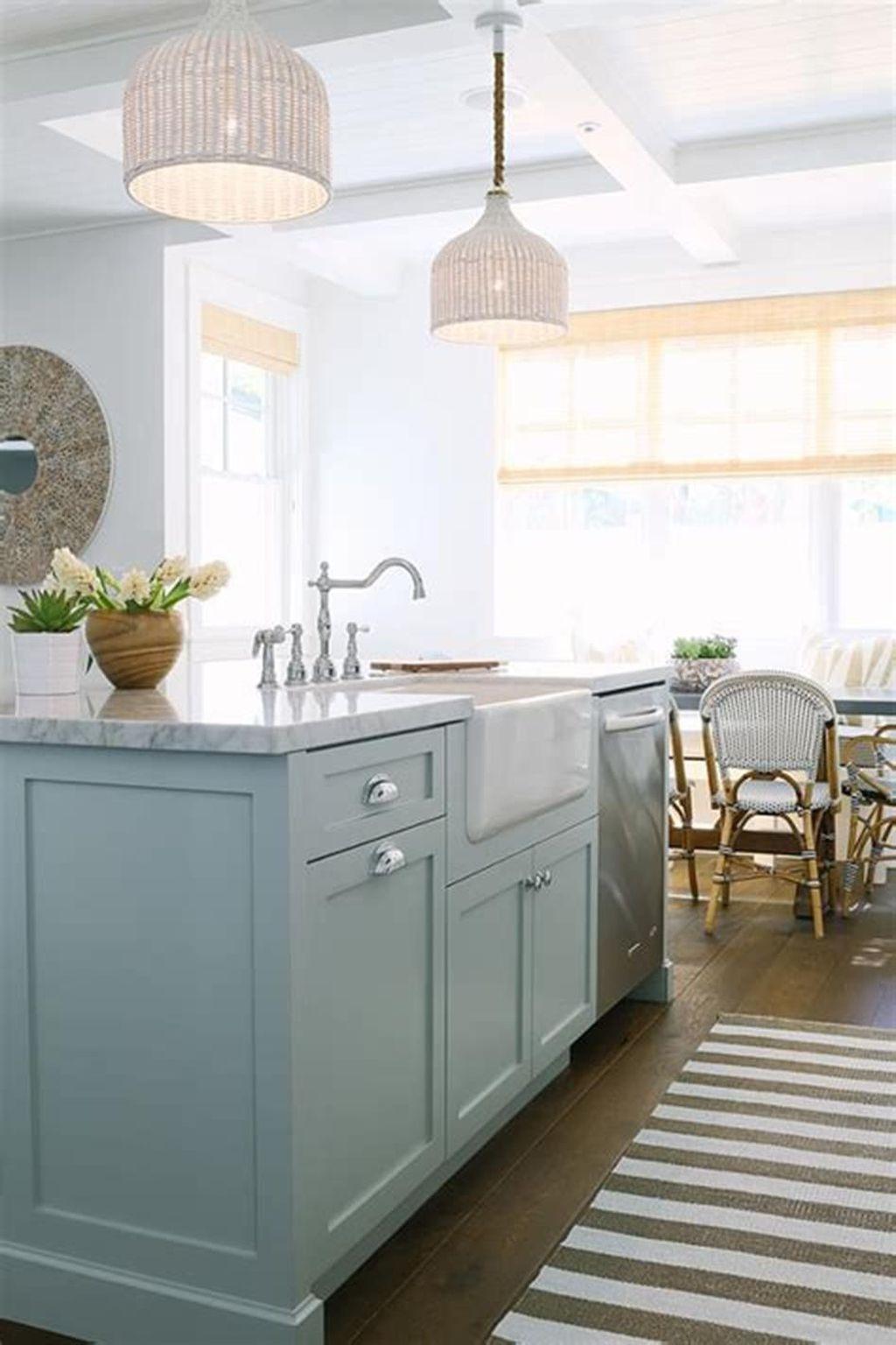 Gorgeous Coastal Kitchen Design Ideas 03
