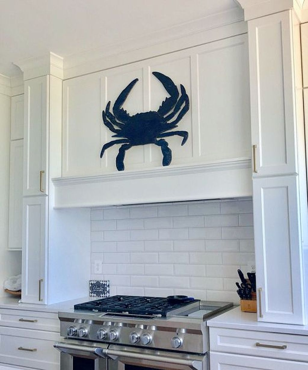 Gorgeous Coastal Kitchen Design Ideas 10