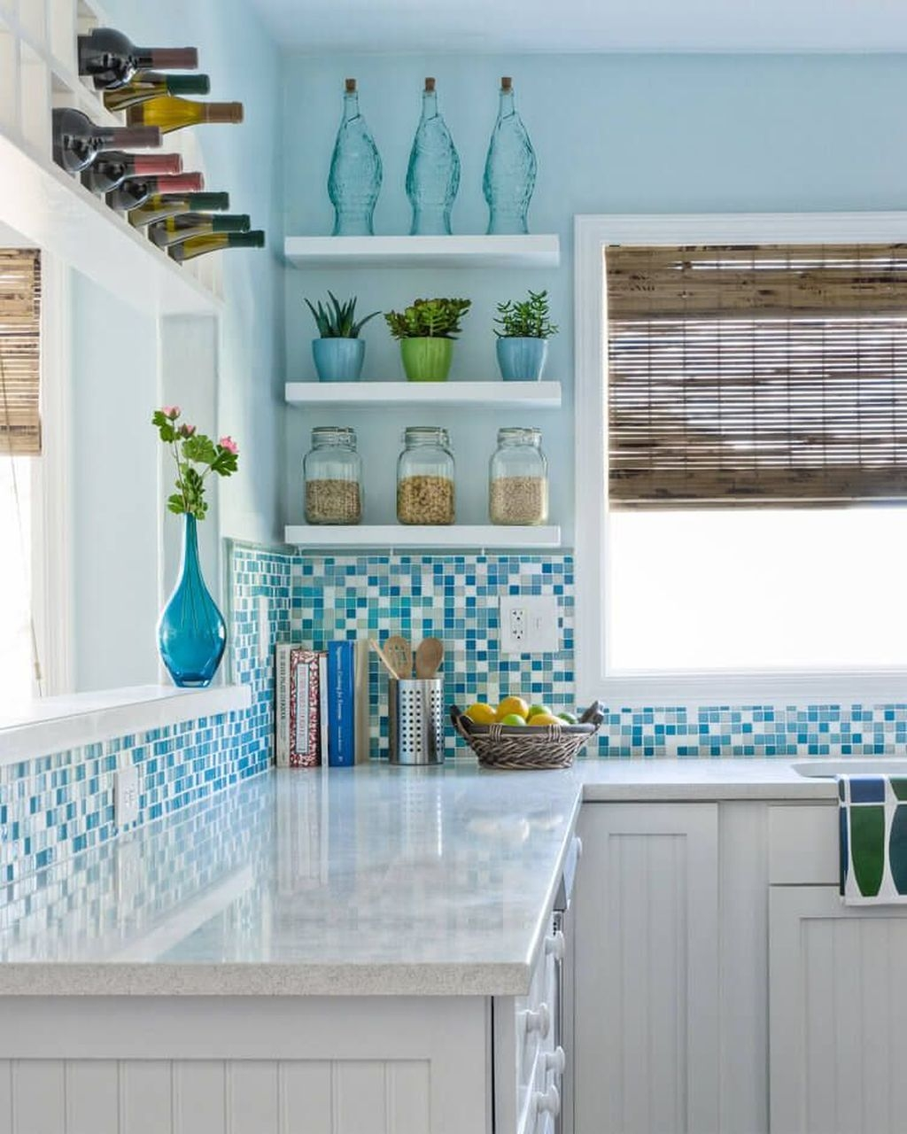 Gorgeous Coastal Kitchen Design Ideas 18