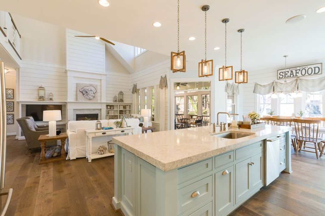Gorgeous Coastal Kitchen Design Ideas 20