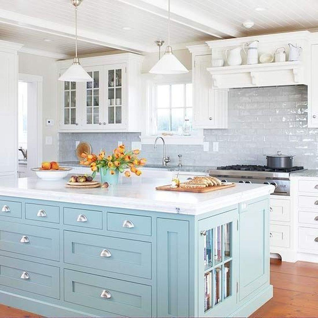 Gorgeous Coastal Kitchen Design Ideas 21