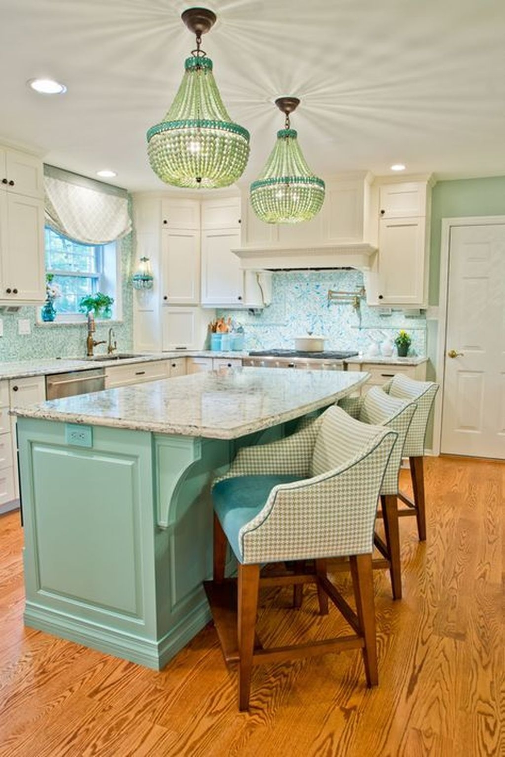 Gorgeous Coastal Kitchen Design Ideas 32