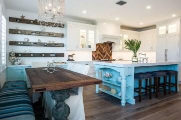 Gorgeous Coastal Kitchen Design Ideas 40