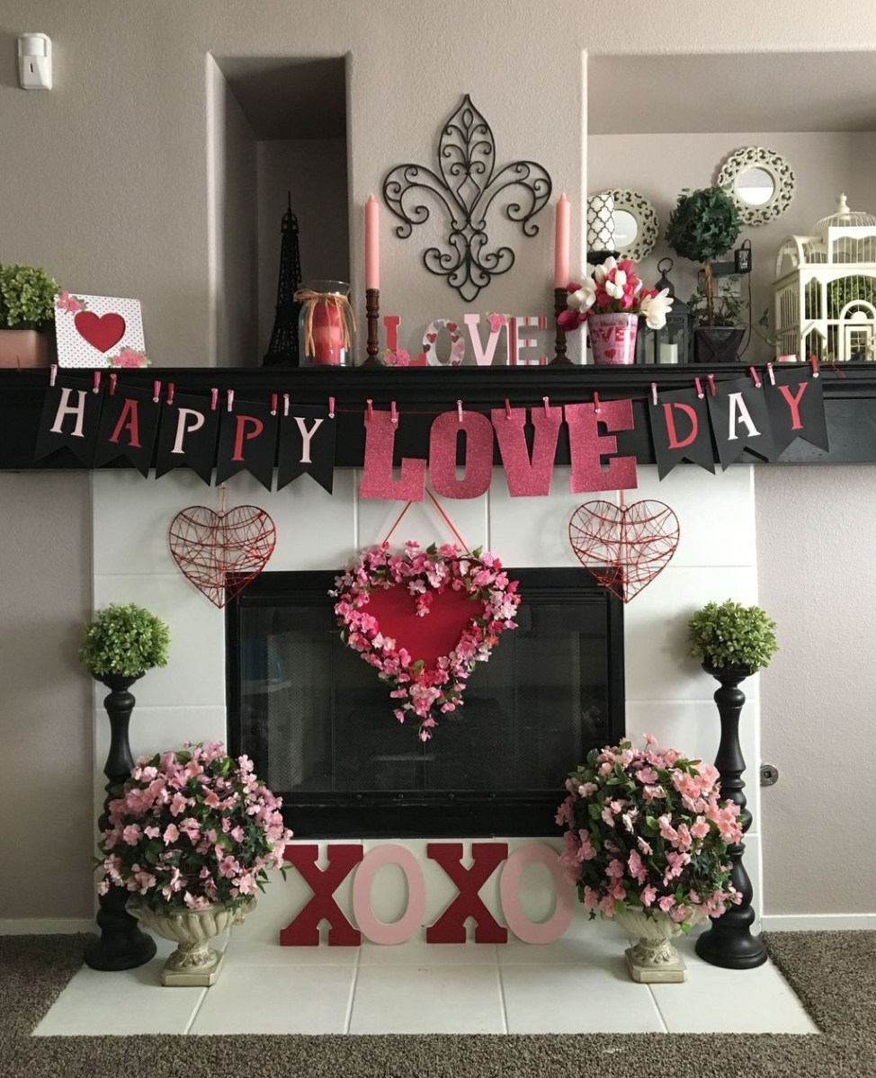 Lovely Valentine Home Decor Ideas For Couples 04