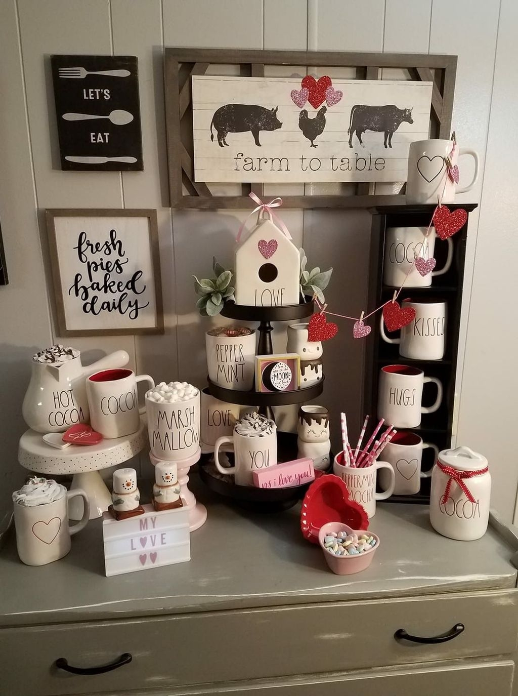 Lovely Valentine Home Decor Ideas For Couples 11