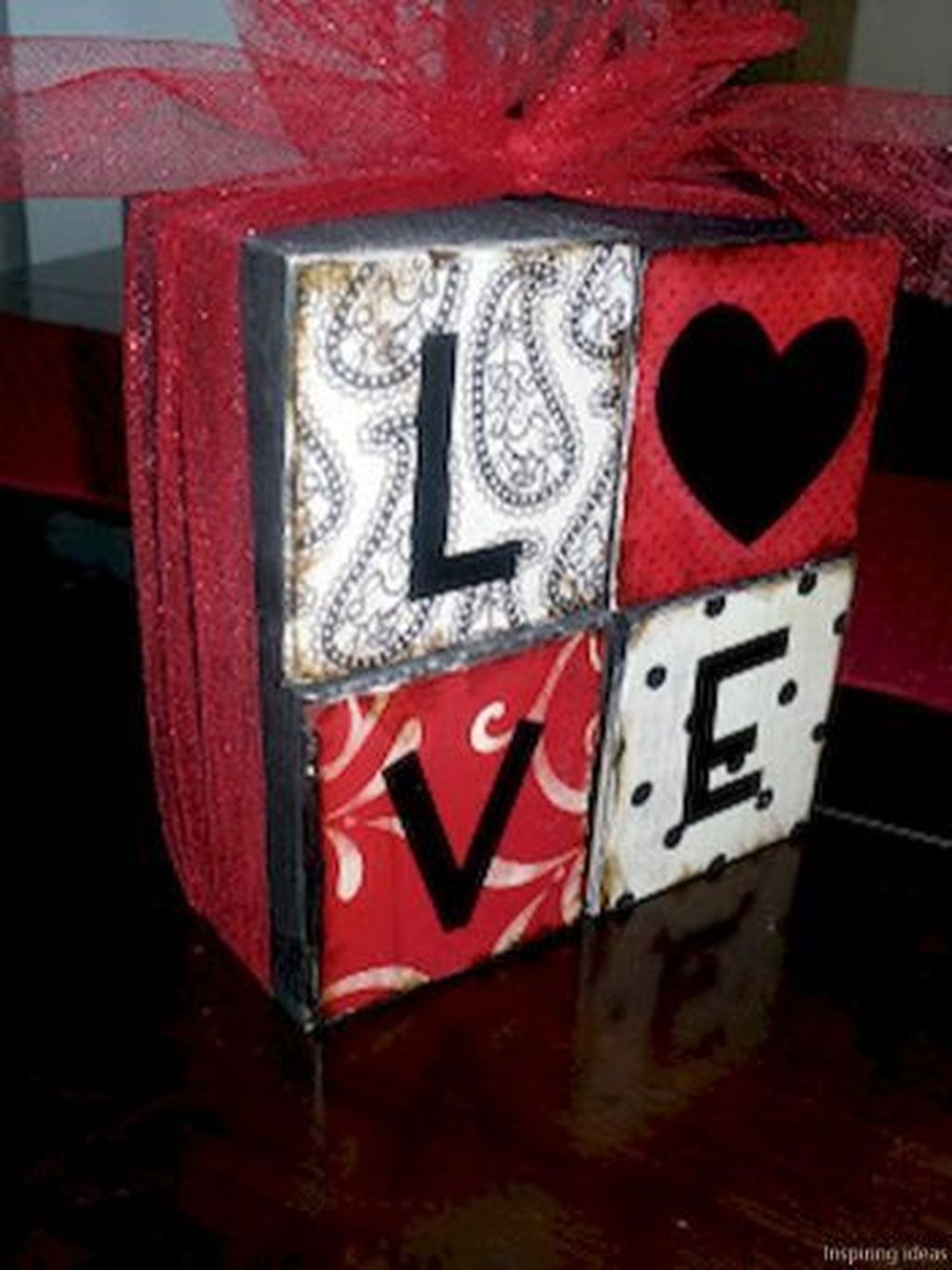 Lovely Valentine Home Decor Ideas For Couples 21