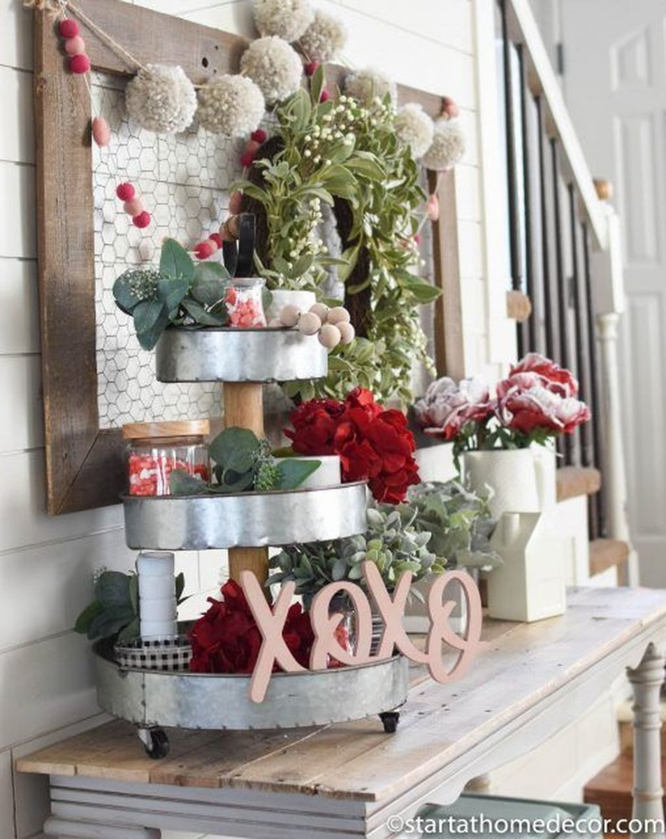 Lovely Valentine Home Decor Ideas For Couples 31
