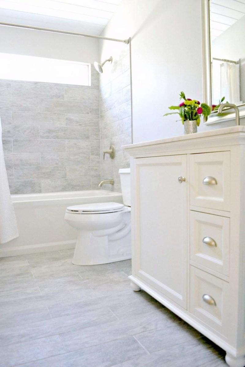 Popular Small Bathroom Remodel Ideas 45