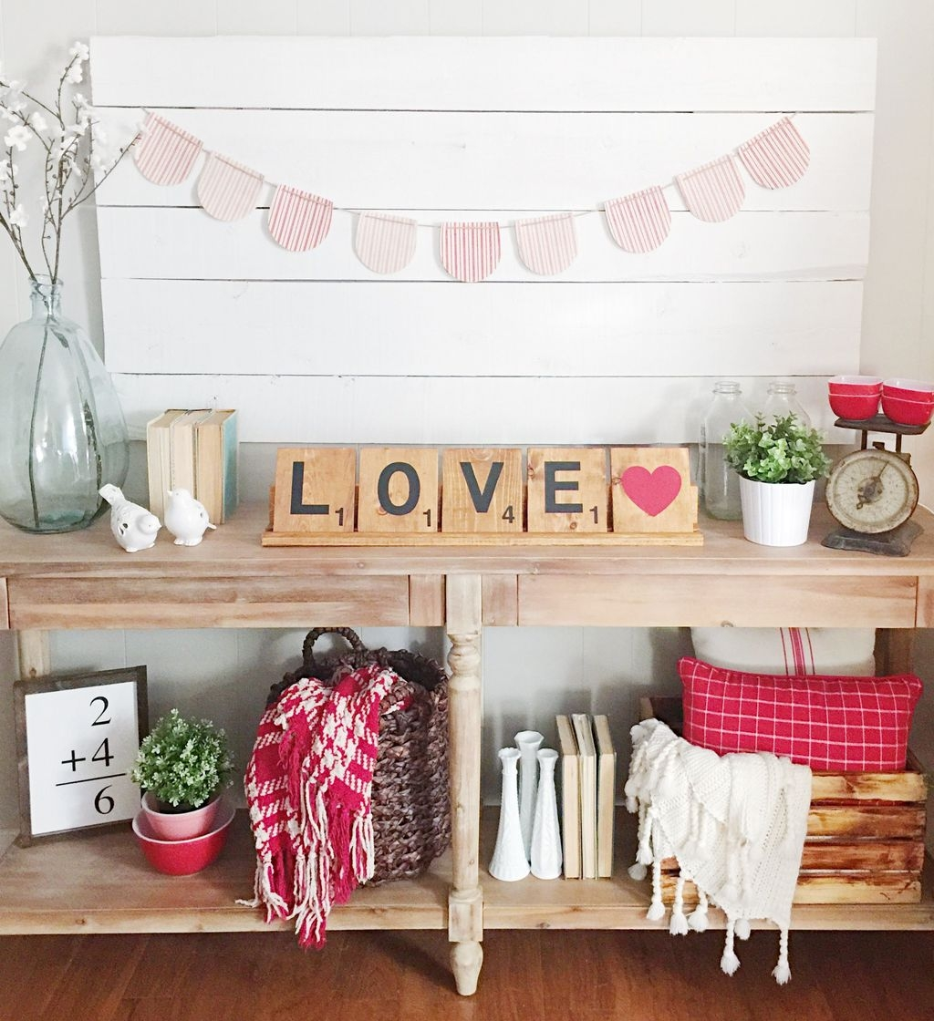 Romantic Living Room Decor With Valentine Themes 13