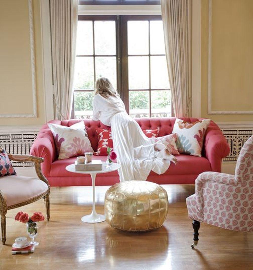 Romantic Living Room Decor With Valentine Themes 14