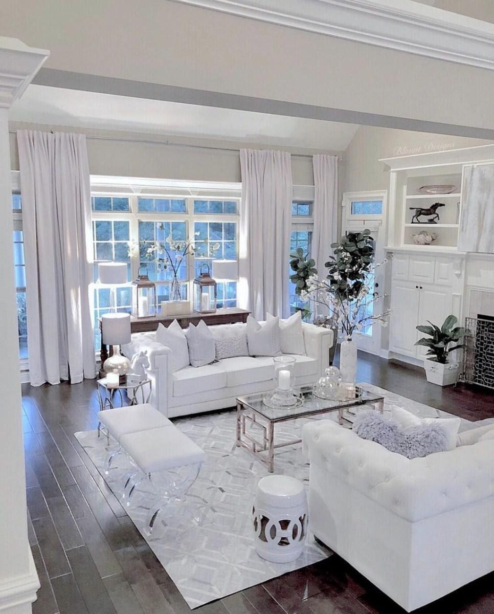 Romantic Living Room Decor With Valentine Themes 23
