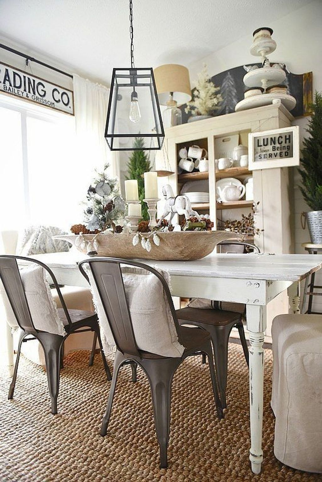 Stunning Farmhouse Dining Room Decoration Ideas 35