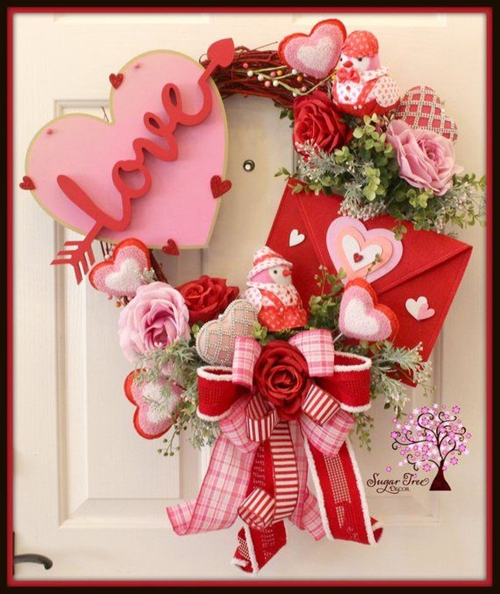 Stunning Valentines Day Front Porch Decor Ideas 07