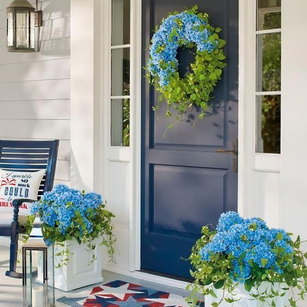 Stunning Valentines Day Front Porch Decor Ideas 14