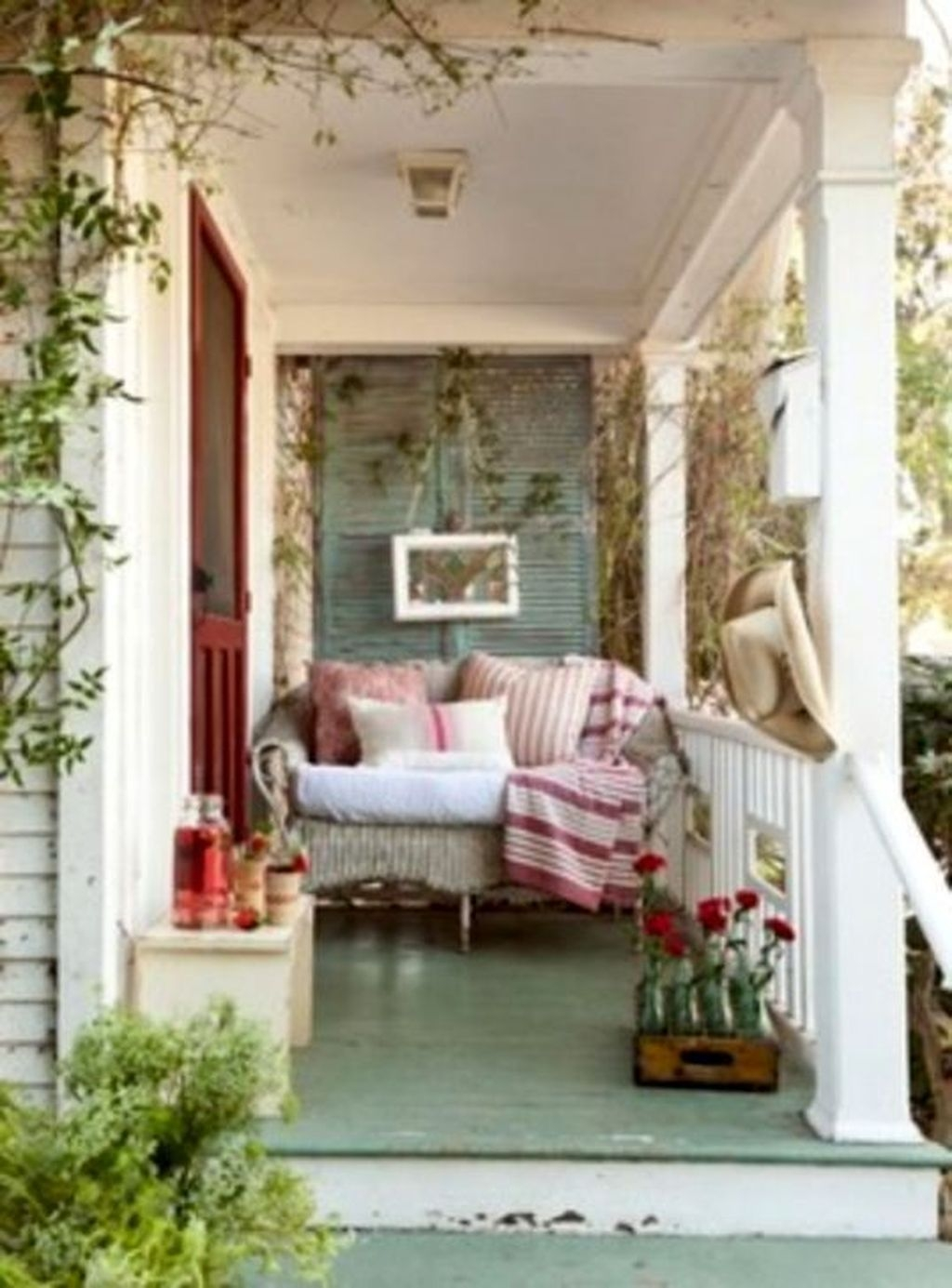 Stunning Valentines Day Front Porch Decor Ideas 18