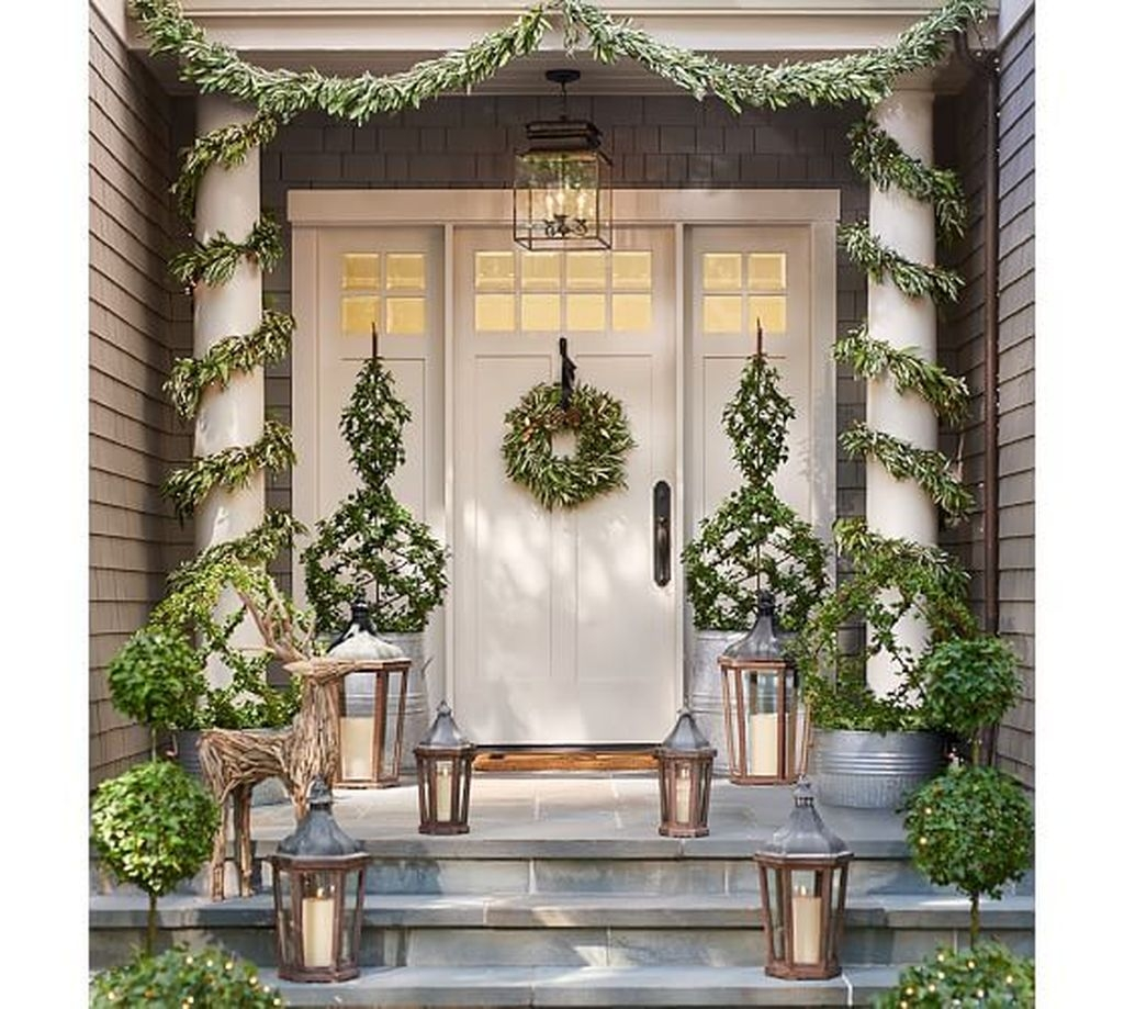 Stunning Valentines Day Front Porch Decor Ideas 19
