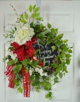 Stunning Valentines Day Front Porch Decor Ideas 26