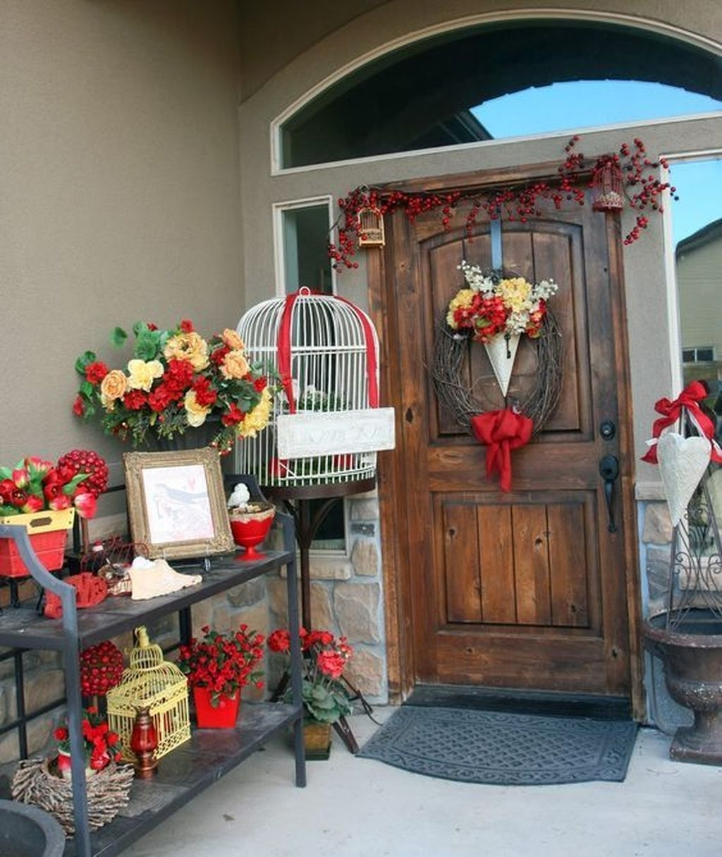 Stunning Valentines Day Front Porch Decor Ideas 31