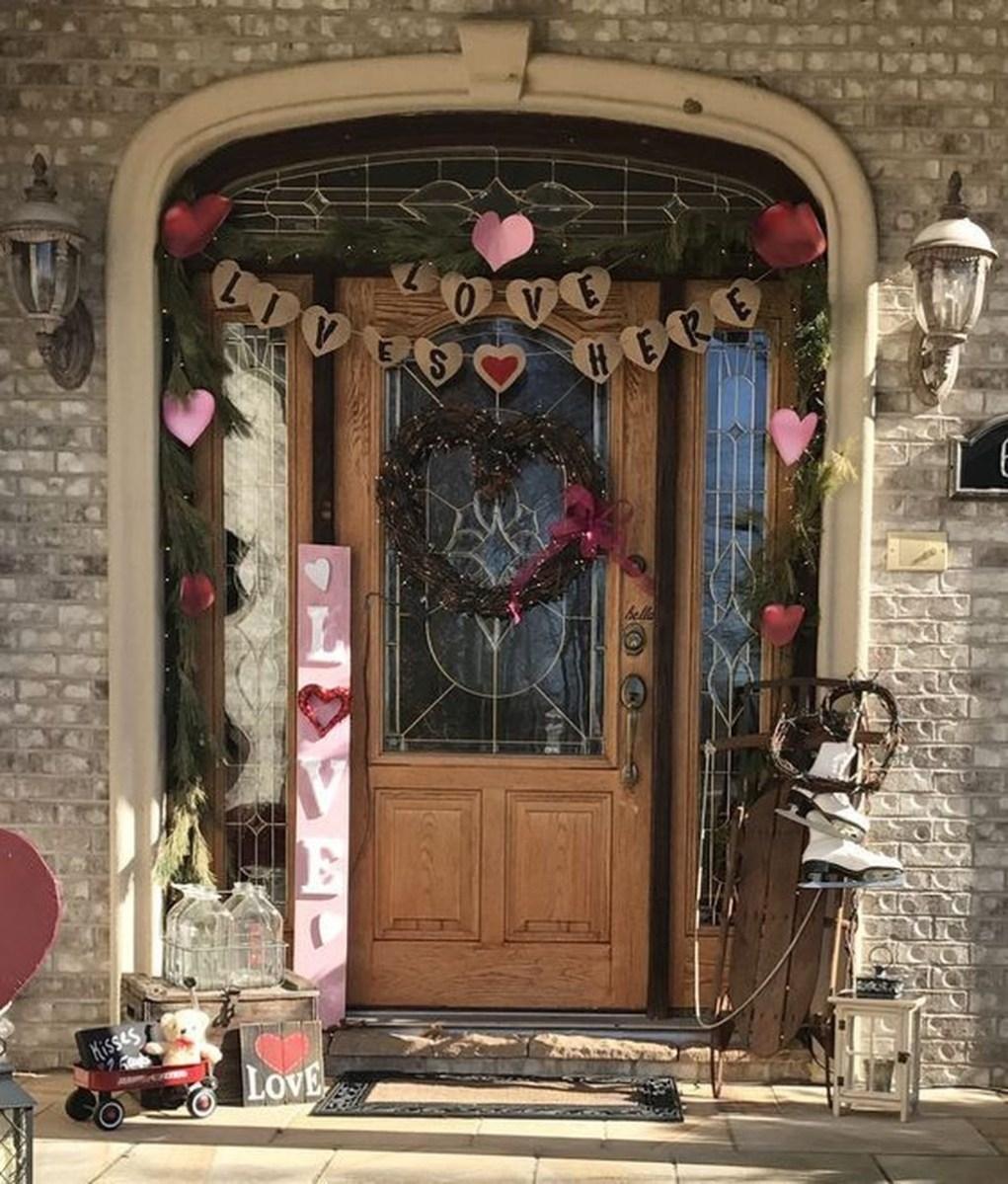 Stunning Valentines Day Front Porch Decor Ideas 43