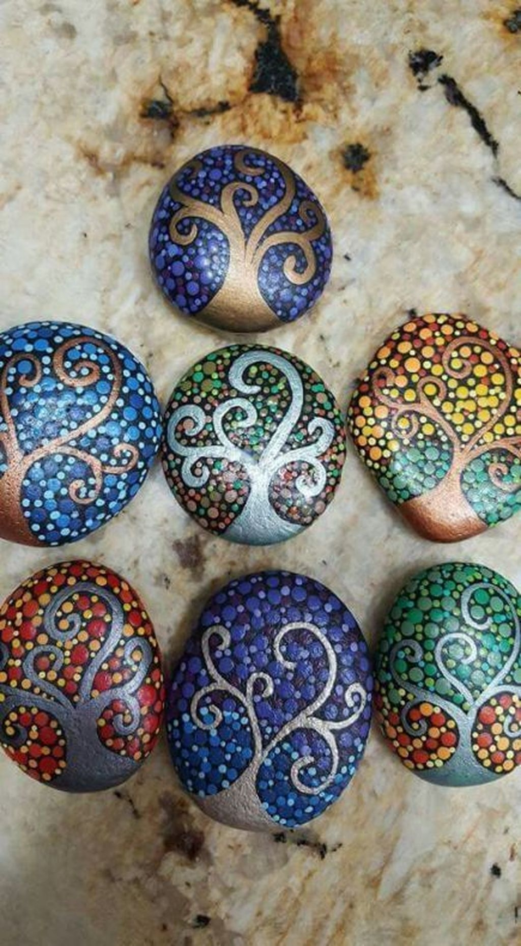 Sweet Rock Painting Design Ideas For Your Home Decor 07