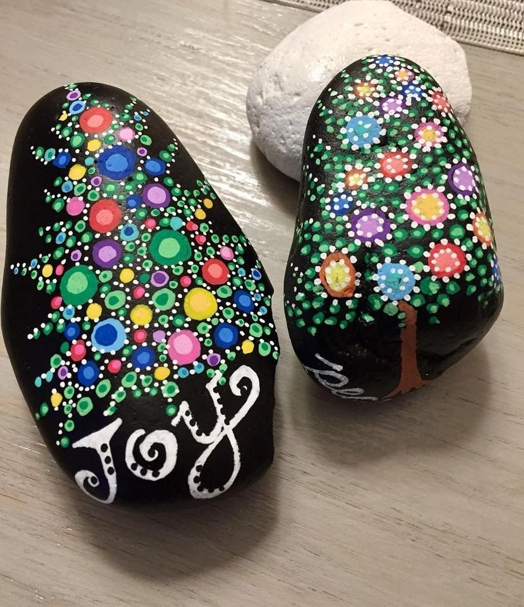 Sweet Rock Painting Design Ideas For Your Home Decor 12