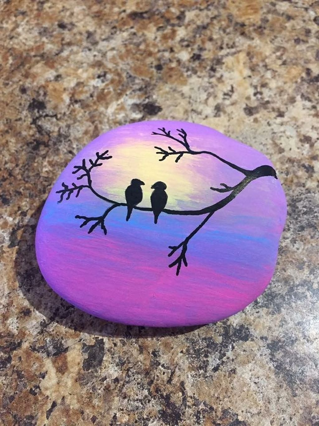Sweet Rock Painting Design Ideas For Your Home Decor 34