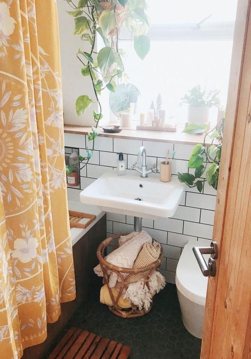 Totally Adorable Small Bathroom Decor Ideas 01