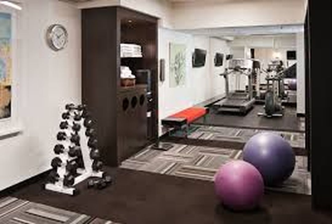 Amazing Home Gym Room Design Ideas 30