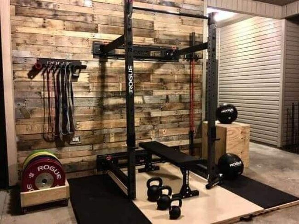 Amazing Home Gym Room Design Ideas 34