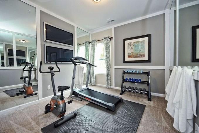 Amazing Home Gym Room Design Ideas 41