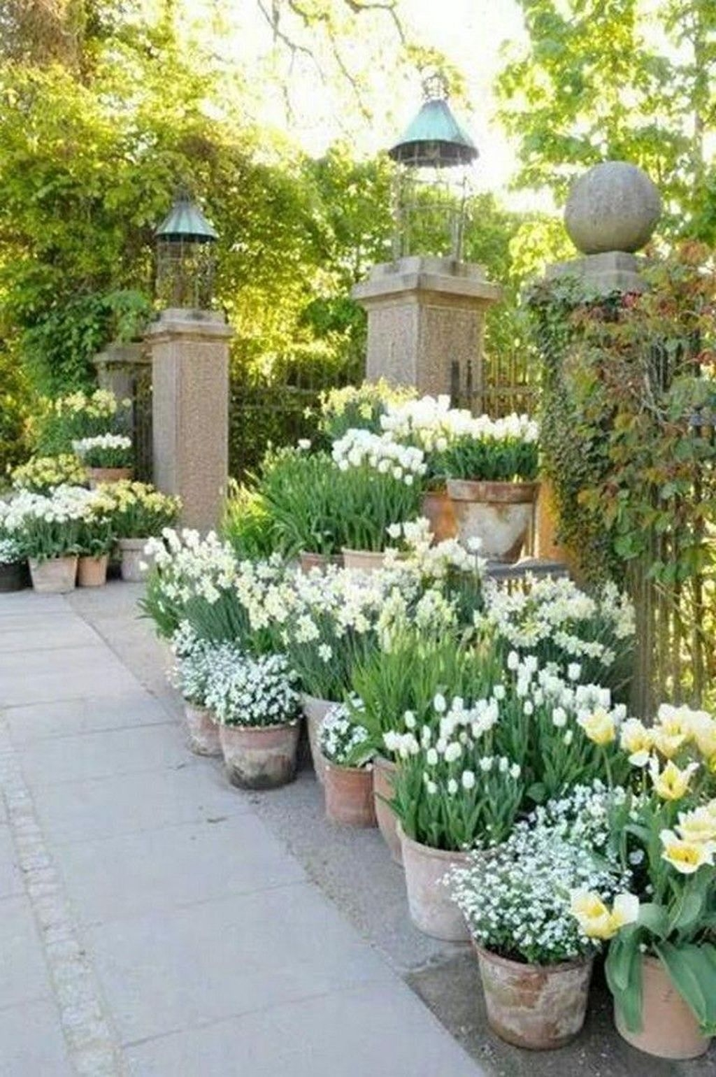 Beautiful Flower Garden Design Ideas 10