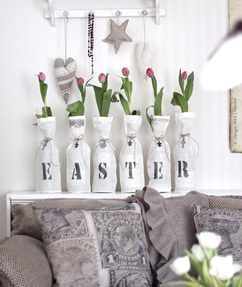 Lovely Easter Living Room Decor Ideas 06