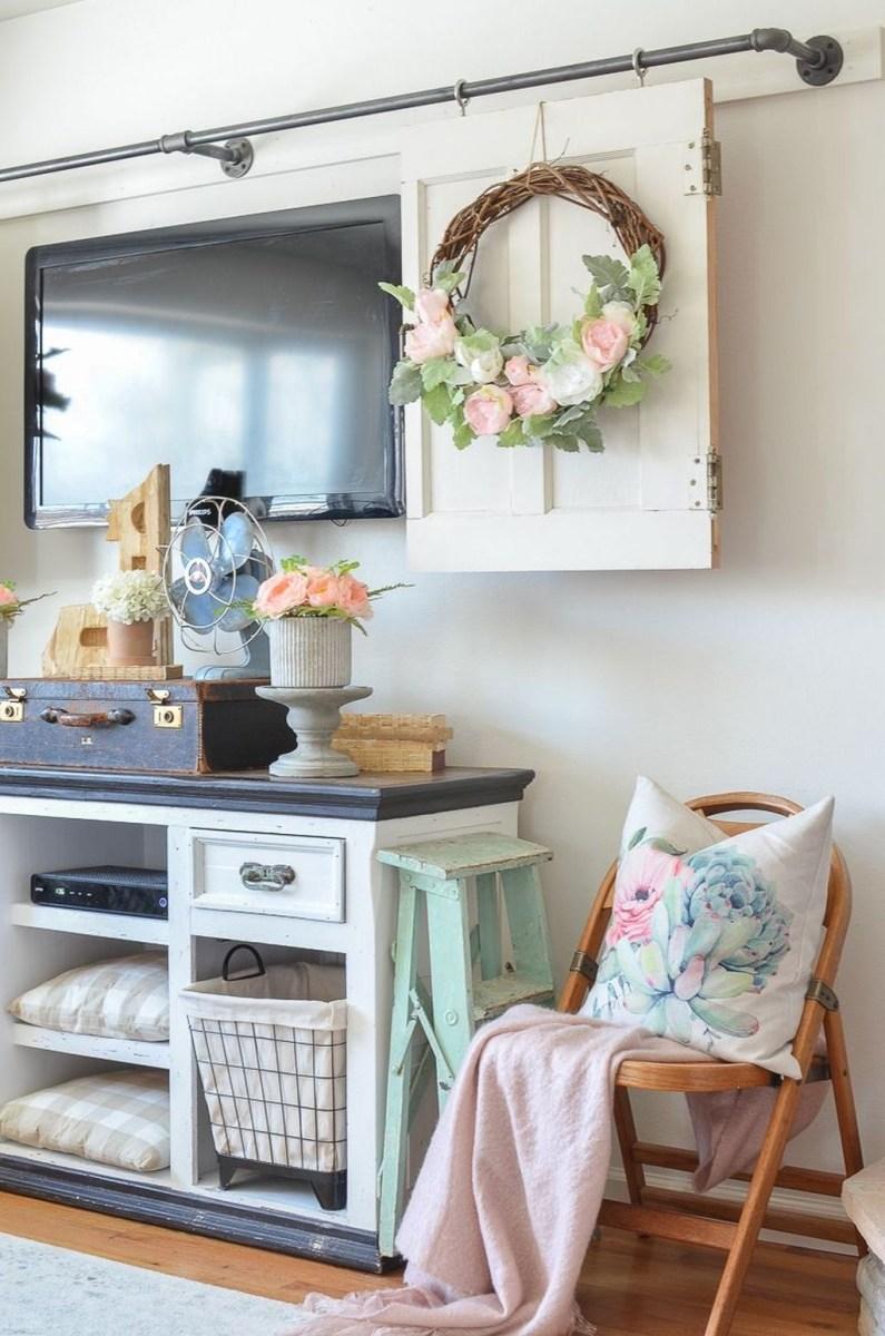 Lovely Easter Living Room Decor Ideas 11