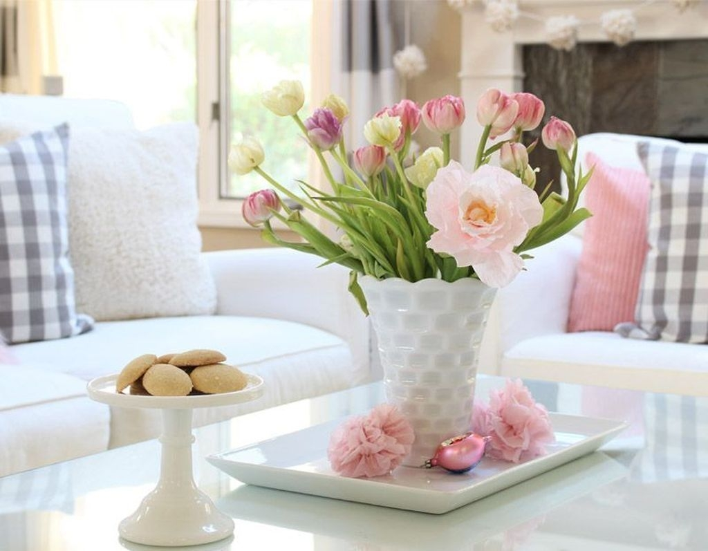 Lovely Easter Living Room Decor Ideas 21