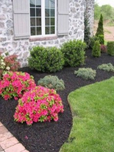 Lovely Small Flower Gardens And Plants Ideas For Your Front Yard 02