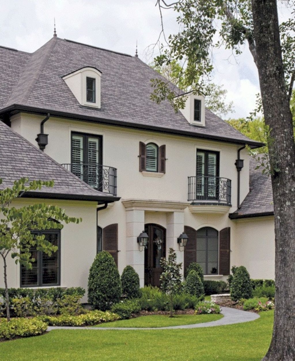 Stylish French Country Exterior For Your Home Design Inspiration 10
