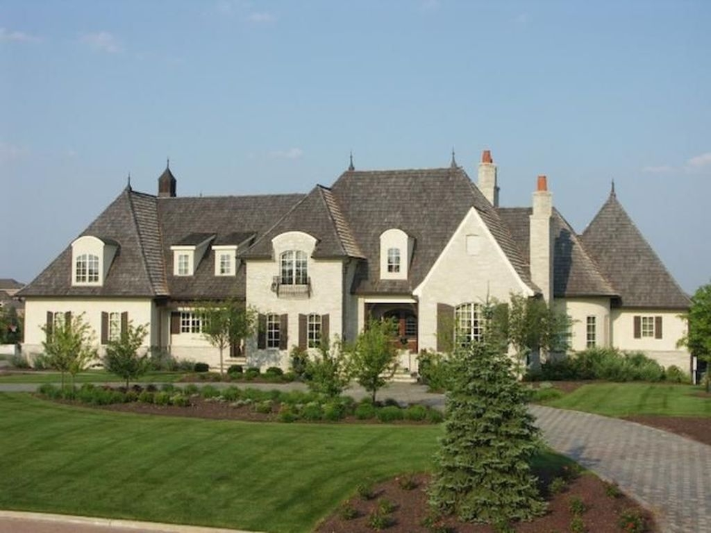 Stylish French Country Exterior For Your Home Design Inspiration 24