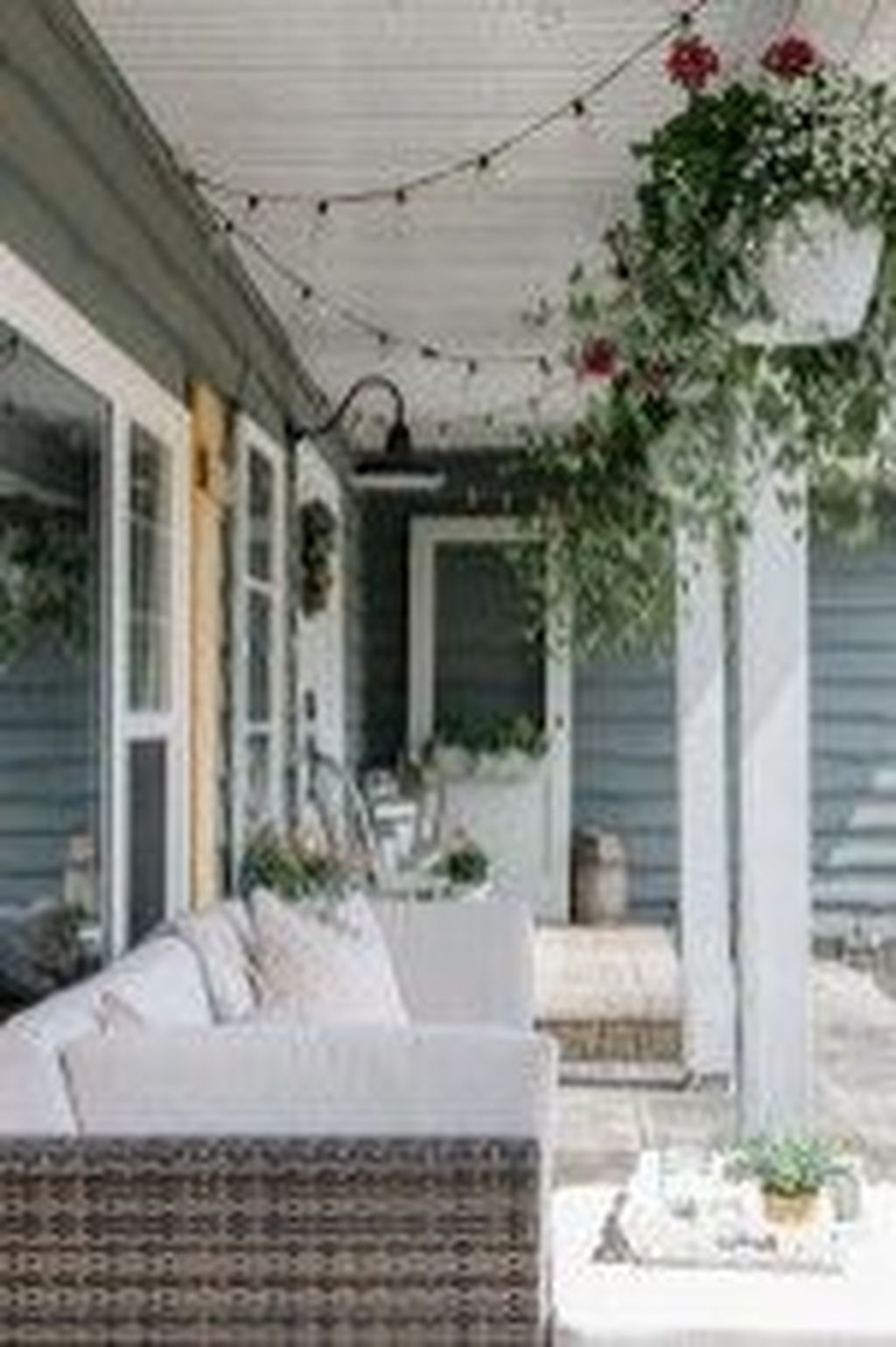 The Best Spring Porch Decoration Ideas 29