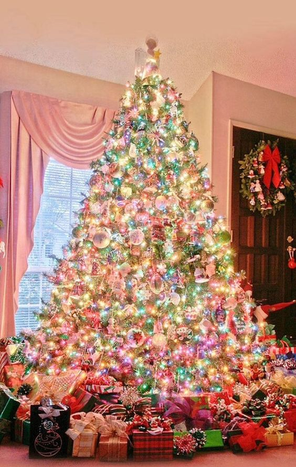 Amazing Christmas Lights Tree Decoration Ideas 09