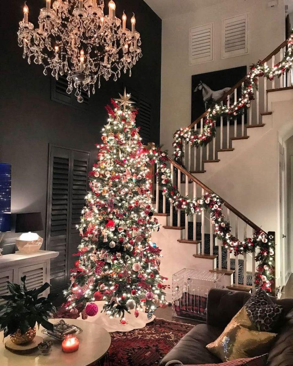 Amazing Christmas Lights Tree Decoration Ideas 36