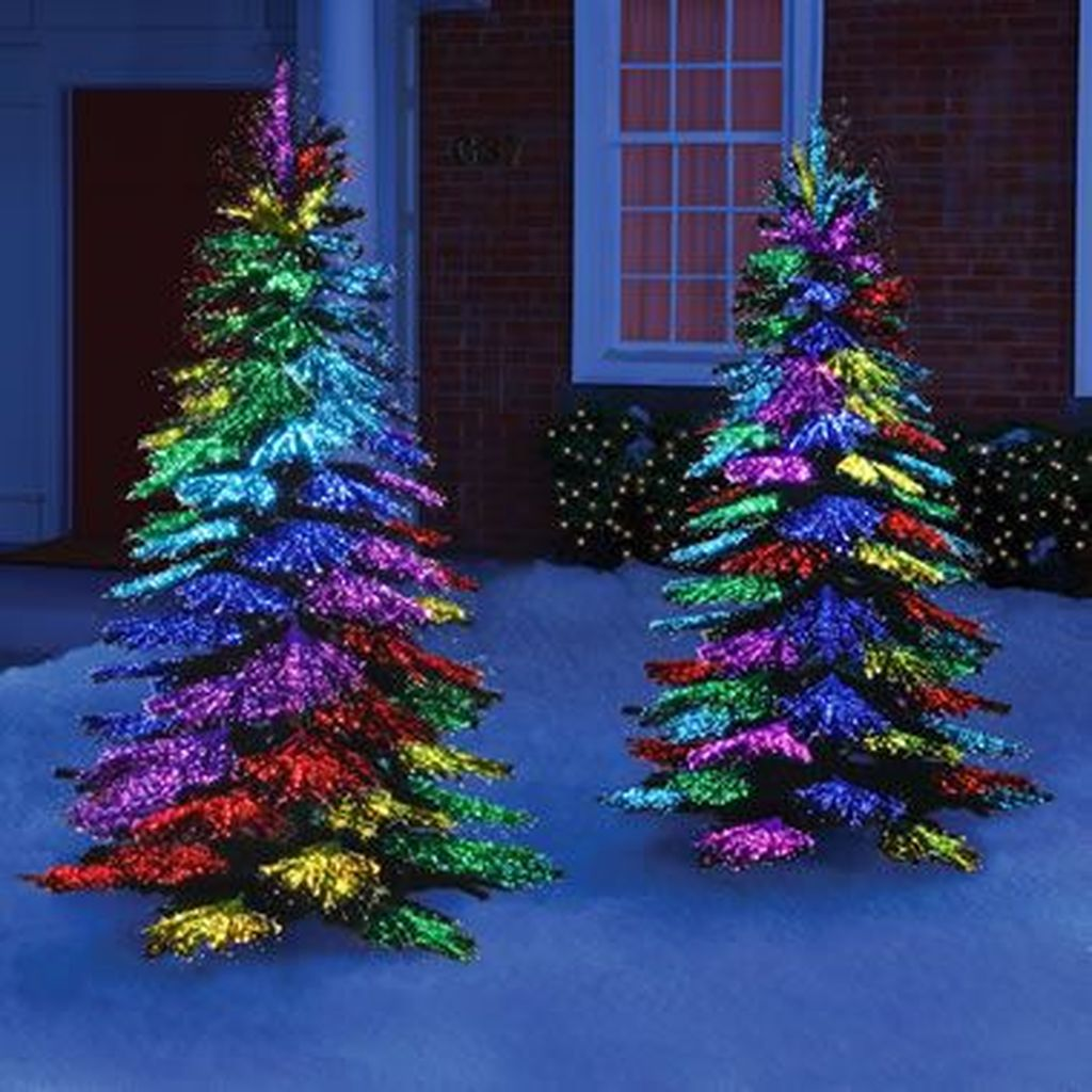 Amazing Christmas Lights Tree Decoration Ideas 38