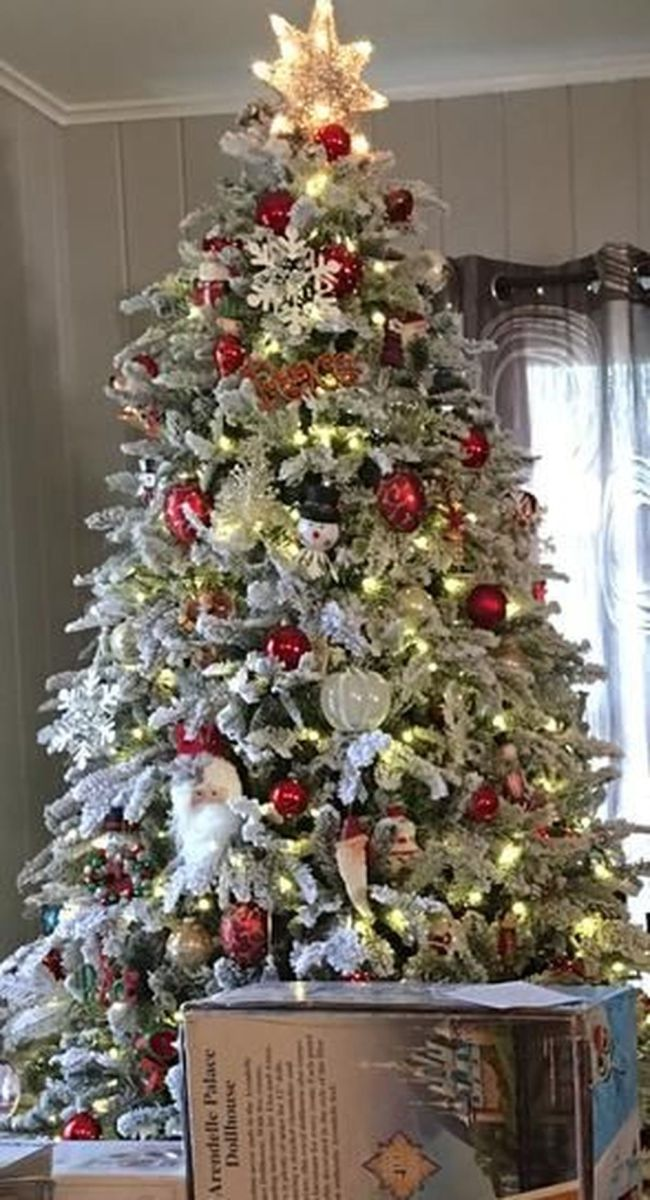 Amazing Christmas Lights Tree Decoration Ideas 39