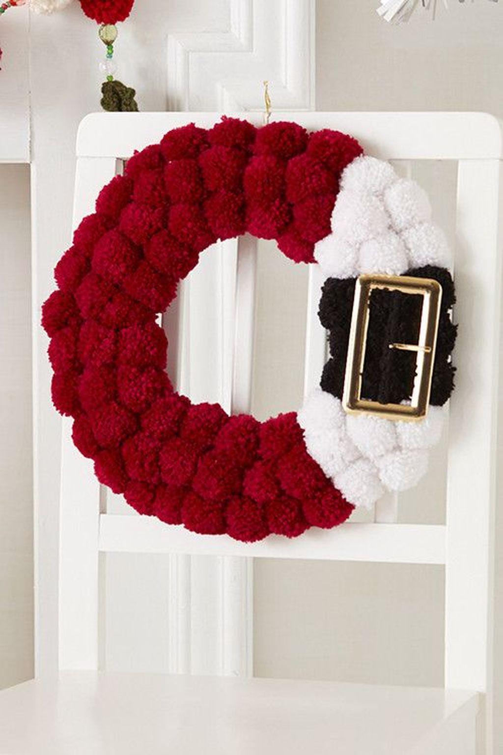 Beautiful Christmas Wreaths Decor Ideas You Should Copy Now 09
