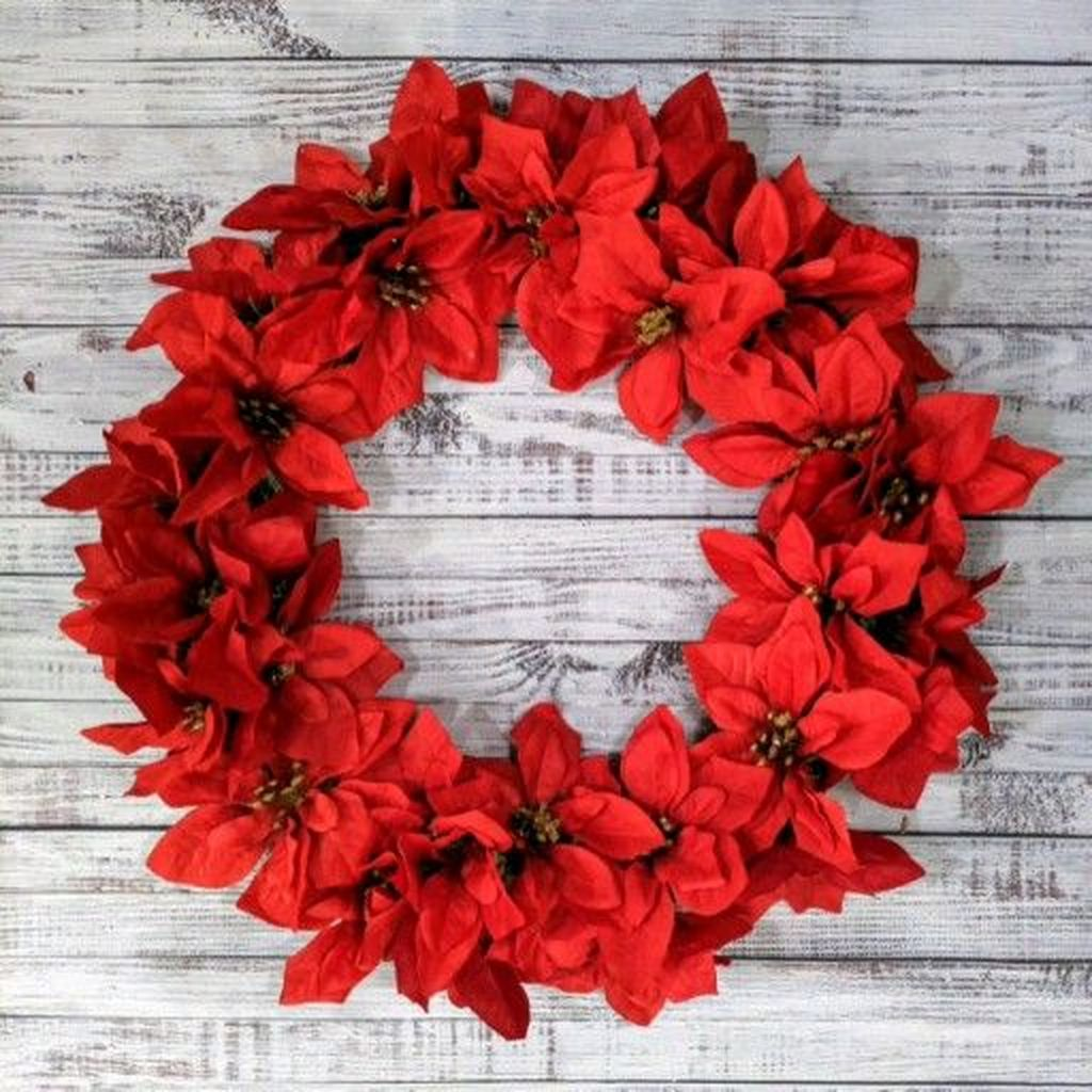 Beautiful Christmas Wreaths Decor Ideas You Should Copy Now 15
