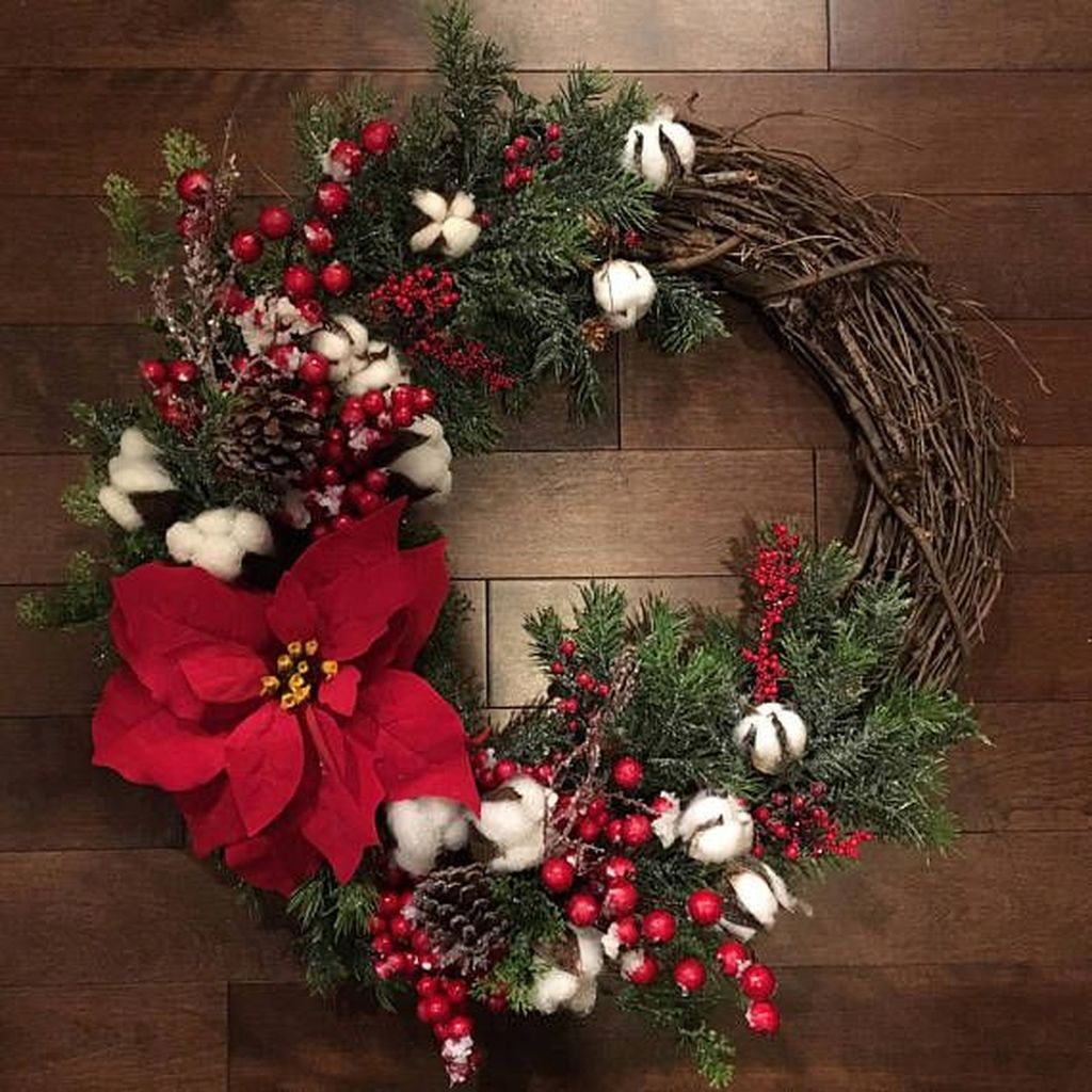 Beautiful Christmas Wreaths Decor Ideas You Should Copy Now 31