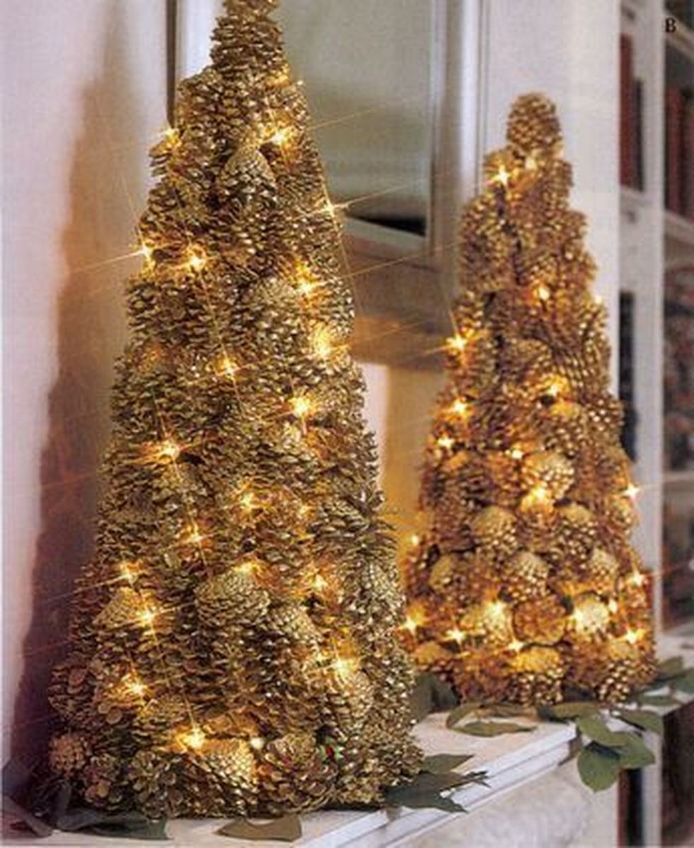 Fabulous Christmas Pine Cone Decorations 09