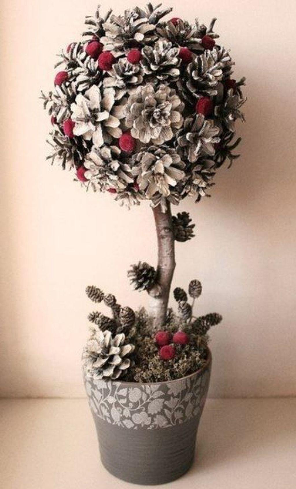 Fabulous Christmas Pine Cone Decorations 11