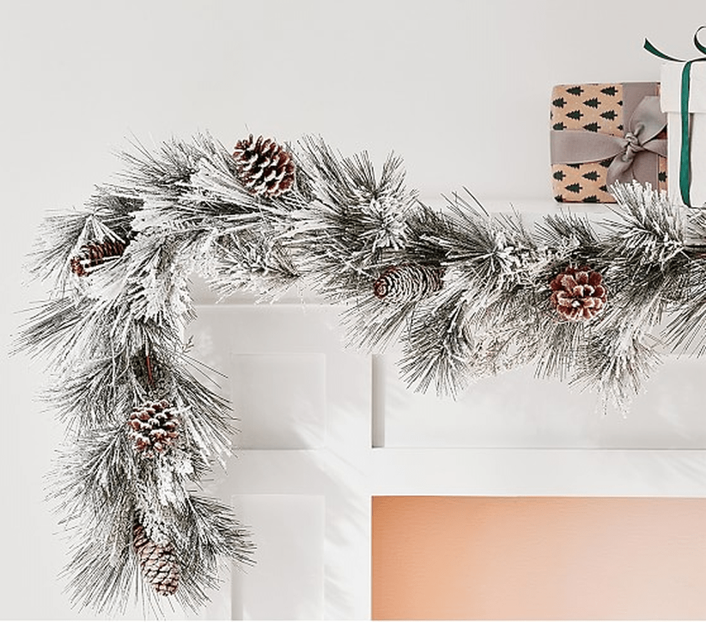 Fabulous Christmas Pine Cone Decorations 28