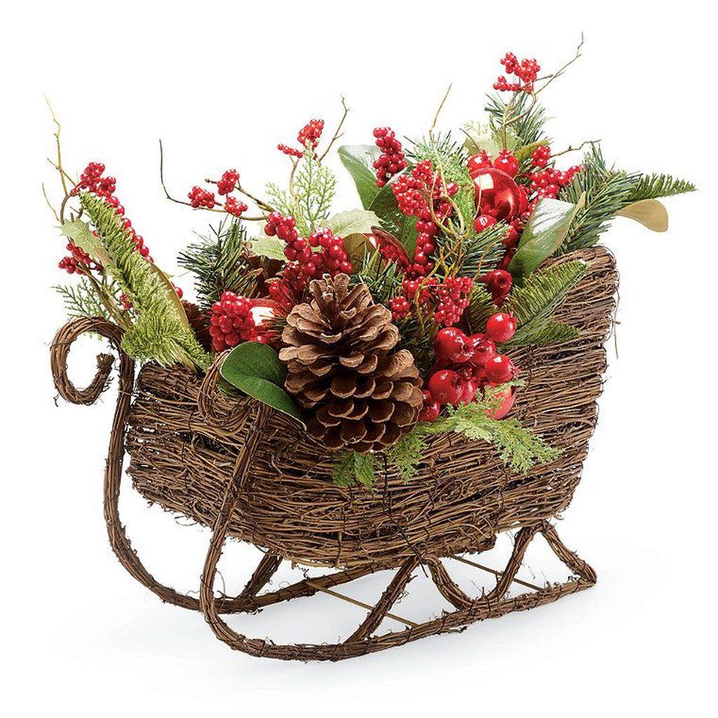 Fabulous Christmas Pine Cone Decorations 31